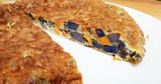Tortilla de patatas violetas y zanahorias
