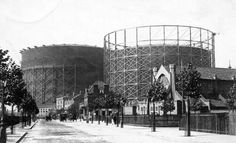 The gas holders on Blackwall Lane in East Greenwich were built between 1886 and The larger of the two holders was, for many years, the largest in the world with a capacity of 8 million cubic feet cubic metres). Old London, East London, Greenwich Peninsula, Greenwich London, London History, Historical Photos, City, Gallery, Travel