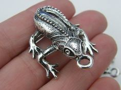 BULK 10 Lizard pendants antique silver tone A83