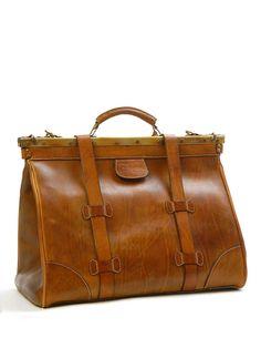 ゝ。Sandiest Clint Leather Brown Bag Best Handbags, Purses And Handbags, Leather Men, Leather Bags, Vintage Leather, Sac Week End, Travel Accessories, Women Accessories, Travel Bags
