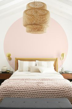 A dash of pink can do a lot to spruce up a room; and the calm, airy quality of the Color of the Year 2020, First Light 2102-70 makes it an ideal backdrop for spaces where relaxation is just as important as style. #BenjaminMoore  (CIRCLE) First Light 2102-70, Regal® Select, Eggshell (WALL) White Heron OC-57, Regal® Select, Flat (CEILING) White Heron OC-57, Waterborne Ceiling Paint, Ultra Flat