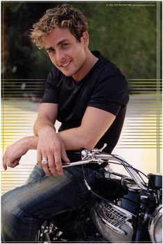 Joey McIntyre I love this old pic of him. About 10 or so years ago. Maybe 15.