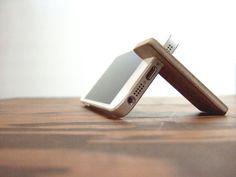 wood iPhone 7 PLUS / 6SE / 6S PLUS stand. walnut with felt