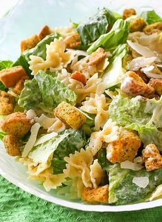 Caesar Salad Recipes with Chicken is One Of the Favorite Salad Recipes Of Many Persons Across the World. Besides Simple to Produce and Excellent Taste, This Caesar Salad Recipes with Chicken Also Healthy Indeed. Chicken Caesar Pasta Salad, Chicken Pasta, Crab Salad, Summer Salad Recipes, Pasta Salad Recipes, Healthy Salad Recipes, Vegan Recipes, Junk Food, Ceasar Salat