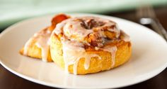 Never choose between sweet and savoury breakfast again. Bacon adds a tasty twist to sweet cinnamon rolls.