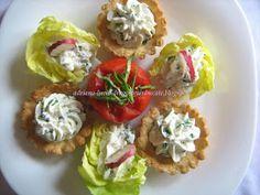 Dragostea in bucate: COSULETE CU CREMA DE BRANZA SI CEAPA VERDE ...BY ADRIANA Appetizer Dips, Baked Potato, Potatoes, Baking, Cos, Spreads, Ethnic Recipes, Green, Potato