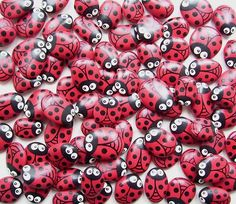 ladybug painted rocks - paint up a bunch and scatter them around my flowerbed as filler while my plants are still small in the spring don't you think emily would enjoy @Cathy Ma Ma Wood??