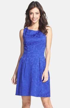 Taylor Dresses Jacquard Fit