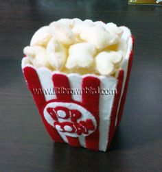 This felt popcorn looks yummy and buttery!
