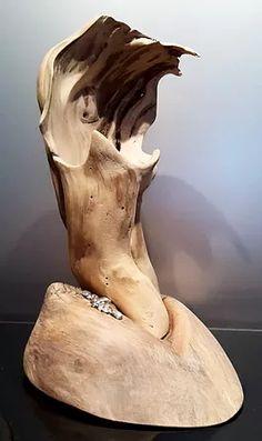 """L'Atelier d'Ali Bois Bois Bien loin des objets déco """"en série"""" je vous propose de découvrir les œuvres de Pascal. Chaque pièce est unique et créée à partir de matériaux naturels récupérés sur la plage. Bois flotté, coquillages, gorgones... La créativité et l'originalité auront leur place dans votre salon, si vous aimez la déco façon """"bord de mer"""" #boisflotte"""