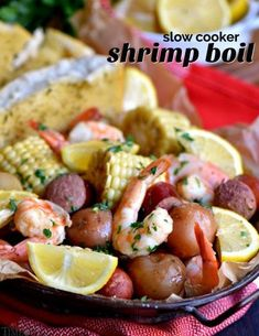 his easy Slow Cooker Shrimp Boil is the perfect busy weeknight dinner recipe! Made with just a handful of ingredients and exploding with delicious, fresh flavor, it's sure to become an instant favorite with your family – it certainly was with mine! Healthy Crockpot Recipes, Steak Recipes, Easy Chicken Recipes, Slow Cooker Recipes, Soup Recipes, Cooking Recipes, Crockpot Meals, Crockpot Veggies, Gourmet
