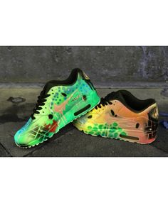 separation shoes 28bbd d196e Custom Airbrush Painted Nike Air Max 90 Crazy Funky Colours  UNIKAT  ART
