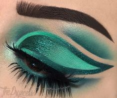 """2,477 Likes, 105 Comments - Sasha (@thepryncess) on Instagram: """"Trying to do more looks with green this year. Design inspired by @lucinda212 EYES:: @hotmakeup.usa…"""""""