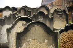 Use your camera to capture tombstones and cemeteries for posterity with these simple tips on time of day, lighting and enhancing inscriptions.