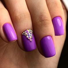 Nailsin violet tones, Nails under a lilac dress, nails under violet dress, Purple gel polish, Purple nails, Spring nail designs