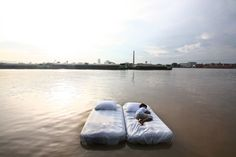 Bangkok Tree House in Thailand. River Nest allows you to sleep under the open sky, on a bed that floats gently down a river (Samut Prakan, Thailand) Boutiques, Resorts, Igloo Village, Floating Hotel, Floating Bed, Unusual Hotels, Outdoor Retreat, Outdoor Spaces, Outdoor Living