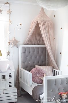 This is just gorgeous! Numero74 featured products: new lace flower canopy and star lantern!