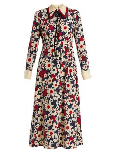 Butterfly-embroidery floral-print silk-crepe dress | Gucci | MATCHESFASHION.COM