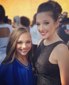Maddie Ziegler and Gianna Martello of Dance Moms on the red carpet of the Teen Coice Awards 2013