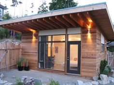We already got Modern Tiny House on Small Budget and will make you swon. This Collections of Modern Tiny House Design is designed for Maximum impact. Modern Tiny House, Tiny House Living, Modern Bar, Living Room, Shed Design, Tiny House Design, Roof Design, Garden Design, Bungalow