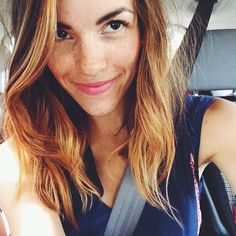 perfect summertime change-up for brunettes, cut + color, Naomi of Love Taza