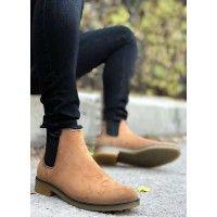 2013 yılından günümüze üretimini yapmış olduğumuz boy uzatan ayakkabı açık kahverengi modellerimizin yeni tasarlanıp beğeninize sunulmuş olan modeli bj41 modeli tamamen konforunuz düşünülerek tasarlanmış olup aynı zamanda boyunuzu tam istediğiniz gibi yapmaktadır. Chelsea Boots, Ankle, Shoes, Fashion, Moda, Zapatos, Wall Plug, Shoes Outlet, Fashion Styles