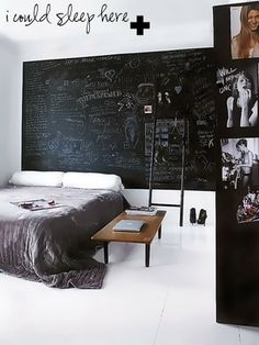 Méchant Design: sleep in back and white