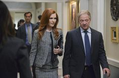 scandal season 4 - Abbie (Darby Stanchfield) and Cyrus Beene (Jeff Perry)