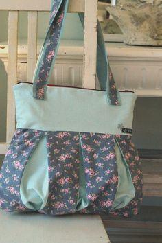 besondere Handtasche, Schultertasche, romantisch