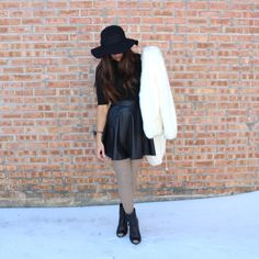 annashilov.com #fashion #ootd #winterlook #fashionblog #fashionbloger #blackhat #fauxfur #blackhat #leatherskirt