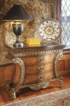 Fine Dining | Bombe Chest