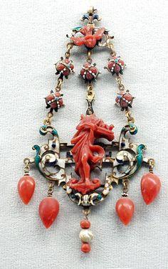 Orafo trapanese, Pendente con San Giovanni Battista, oro, corallo, smalti, perla - prima metà sec. XVII (ante 1647)