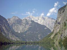 """WWF przeprowadził pierwsze kompleksowe badania dotyczące kondycji alpejskich rzek. Na ich podstawie powstał raport """"Save the Alpine Rivers"""" (Ocalić alpejskie rzeki). Okazuje się, że już tylko jedna na 10 alpejskich rzek zachowała się w stanie nienaruszonym, zapewniającym odporność na zmiany klimatu i utrzymanie odpowiedniego poziomu wód."""
