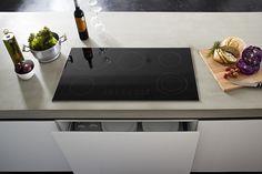 Betonküchenblock Pranzo mit integriertem Kochfeld. Nach Maß für Sie gefertigt unter: http://www.arrangio.de  #betonarbeitsplatte #betonküchenplatte #betonarbeitsfläche