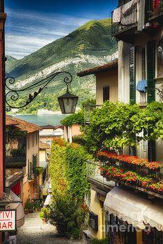 Quaint Bellagio Street View