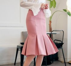 chuu Pleated Midi Mermaid Skirt Pleated Midi Skirt, High Waisted Skirt, Mermaid Skirt Pattern, Korean Outfits, Korean Clothes, Skirt Fashion, Fashion Outfits, Work Skirts, Sewing Tips