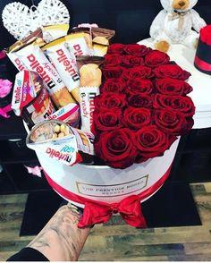 Valentine Flowers For Mom Pinterest Valentines, Flower Box Gift, Flower Boxes, Diy Bouquet, Candy Bouquet, Valentines Flowers, Valentine Day Gifts, Chocolate Flowers Bouquet, Rosen Box