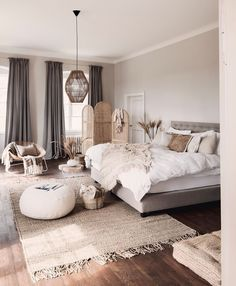 5 Ambrosial Home Decoration Plants Blindsiding Ideas.Home Decor Ideas Natural De slaapkamer is waarschijnlijk het intiemste en meest priv van alle kamers in het hele huis. Niet iedereen krijgt toegang om deze geheime kamer te betreden. Dit is dan ook precies de reden waarom een slaapkamer aangepast zou moeten zijn aan jouw eigen persoonlijkheid zodat het een sfeer uit straalt waar je je 100% thuis voelt. // Bedroom Bedding Bed Blush Decoratie #slaapkamer Bedroom Sets, Home Bedroom, Bedroom Decor, 70s Bedroom, Cute Home Decor, Cheap Home Decor, Photoshop Design, Urban Outfiters Bedroom, Home Interior