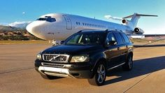 We offer Boston airport limousine services at reduced flat rates, with an awesome fleet of luxury sedans, executive car, SUVs and mini vans. If you need to travel across the city from the airport just like a VIP or be taken directly to home in an executive vehicle or get to the main airport on or before the scheduled flight. For more info Call us on 1-800-720-3818