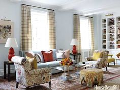 Mix and Chic: Home tour- A colorful New York apartment! Indian Living Rooms, Colourful Living Room, My Living Room, Living Room Decor, Beautiful Sofas, House Beautiful, Sofa Colors, Blue Rooms, Blue Bedroom