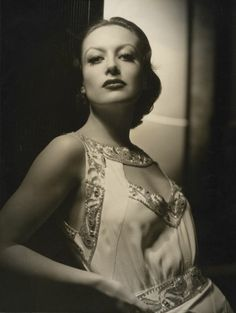 wehadfacesthen:  Joan Crawford, photo by George Hurrell 1932