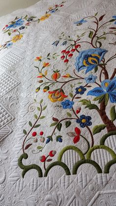 Tree of Life quilt, quilted by Judi Madsen, pieced and appliqued by Jeanna