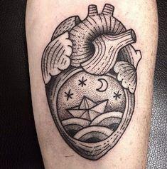 tatuajes de corazones reales con lunas