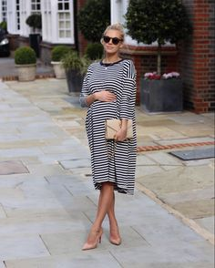 "220 Likes, 14 Comments - Laura Wills (@thefashionbugblog) on Instagram: ""I keep wondering which day will be my last bump photo! I have a feeling she is coming soon …"""
