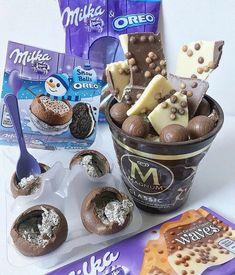 Ice Cream Desserts, Cute Desserts, Sweet Recipes, Snack Recipes, Dessert Recipes, Milka Oreo, Comida Disney, Junk Food Snacks, Yummy Ice Cream