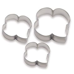 "TREFOIL SHAPED COOKIE CUTTERS $10.00 #11105  Love to bake? Then you will love using this 3-piece trefoil shaped cookie cutter set. In three convenient sizes: Small 2½"" x 2½"", Medium 3"" x 3"" and Large 3¼"" x 3½"". Tin coated steel."