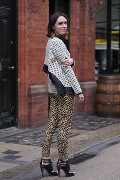 Jennie McGinn supports young Irish designers like who she's wearing here. Dublin Street Style, Ireland Fashion, Student Fashion, New Shop, Dressing, Chic, Irish, How To Wear, Designers