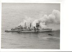 Sea King inglés auxiliando al HMS Sheffield