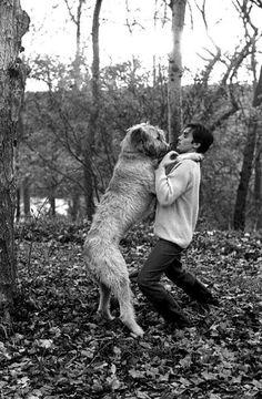 EVGENIA GL Foto OF ALAIN DELON WITH HIS DOG