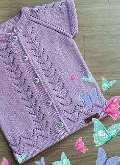 Crochet and Knitting Easy Crochet Patterns, Crochet Designs, Knitting Designs, Knitted Baby Cardigan, Knit Baby Sweaters, Baby Sweater Patterns, Baby Knitting Patterns, Crochet Cable, Knit Or Crochet